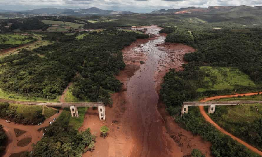 Aerial view of mud and waste from the mining disaster in Minas Gerais.