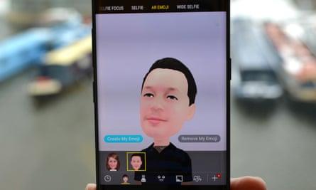 EMBARGO 1300 8/03/2018 - Samsung Galaxy S9+ review - AR emoji on phone