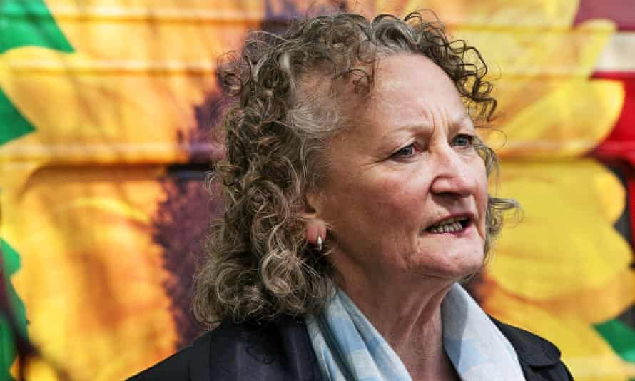 A whistleblower in the Met's domestic extremism unit wrote to Jenny Jones about documents compiled on her activities.