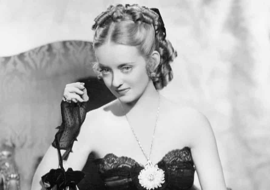 Bette Davis as Julie in Jezebel