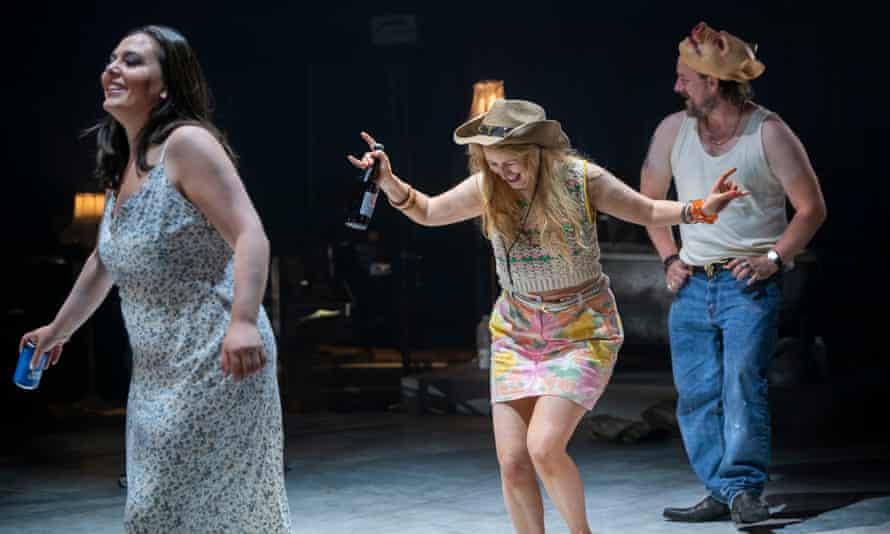 Lucia Cervoni (Penelope), Llio Evans (Melanto) and Benedict Nelson (Anfinomo) in The Return of Ulysses