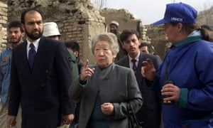 Sadako Ogata in Afghanistan, 2002. She believed in meeting refugees on the ground and hearing from them first-hand.