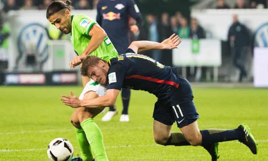 Wolfsburg's Swiss defender Ricardo Rodríguez