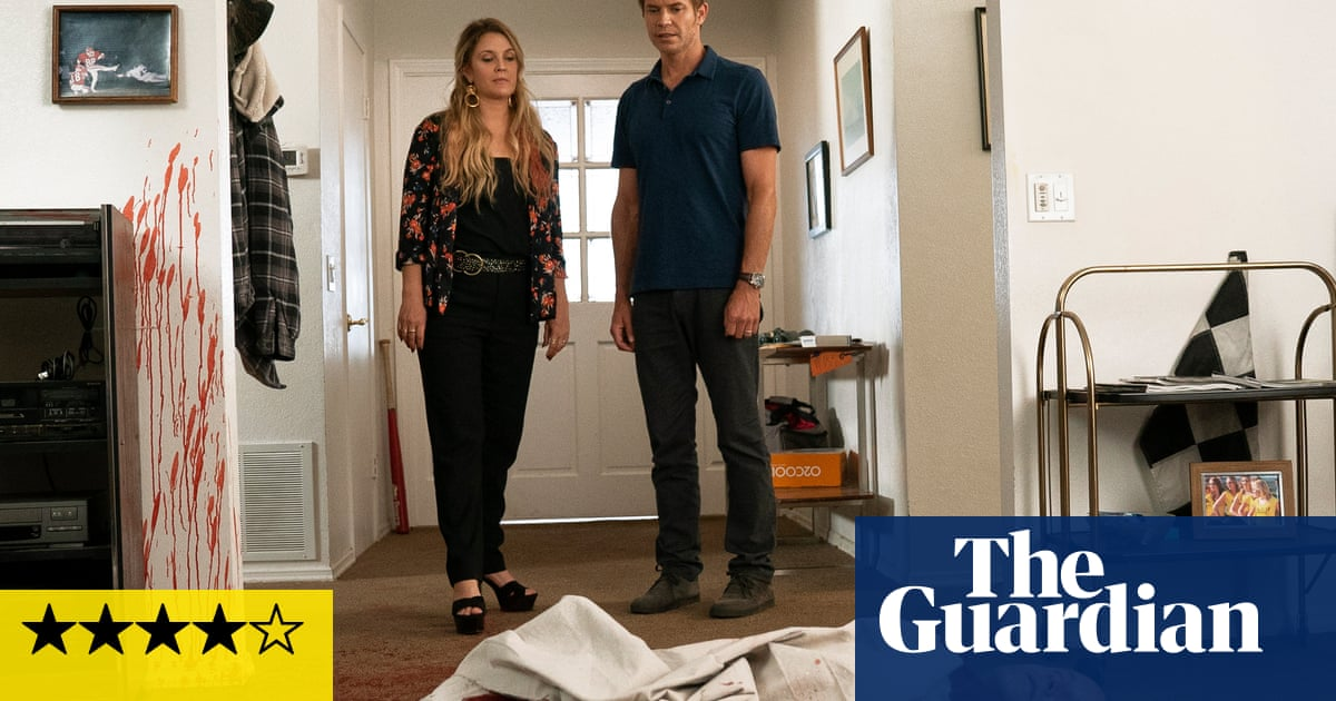 Santa Clarita Diet review- this tasty zomcom is back with more bite