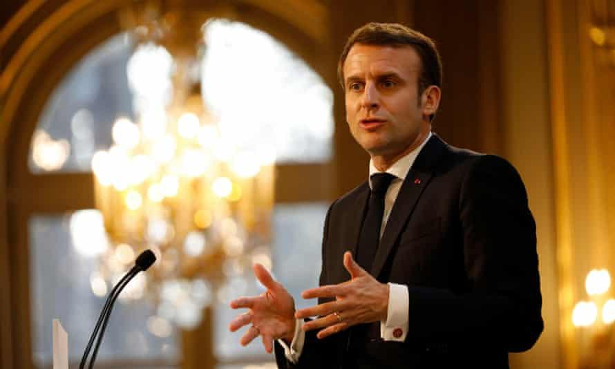 Emmanuel Macron addresses French businessmen at the Elysée Palace