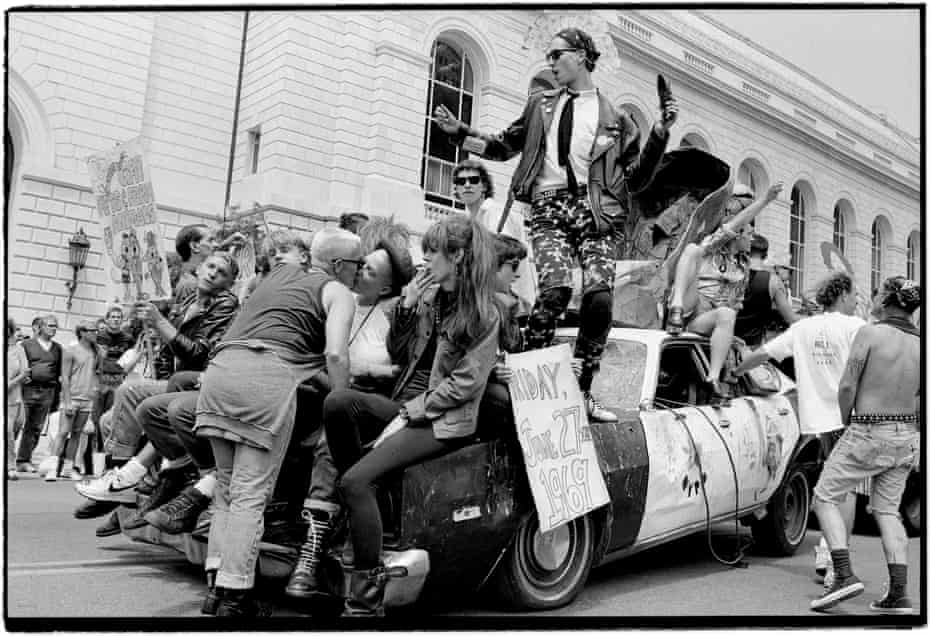 Club Chaos and Klubstitute float in the SFLGBT Pride Parade, June 25, 1989