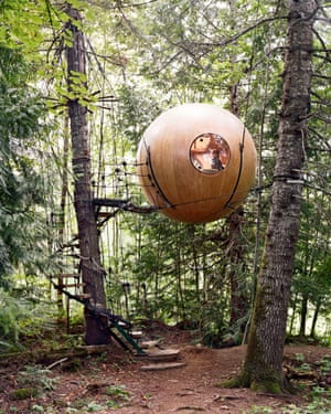Free Spirit Sphere Treehouse in British Columbia, designed by Tom Cudleigh. Suspended spherical tree houses on Vancouver Island, Canada. 2008
