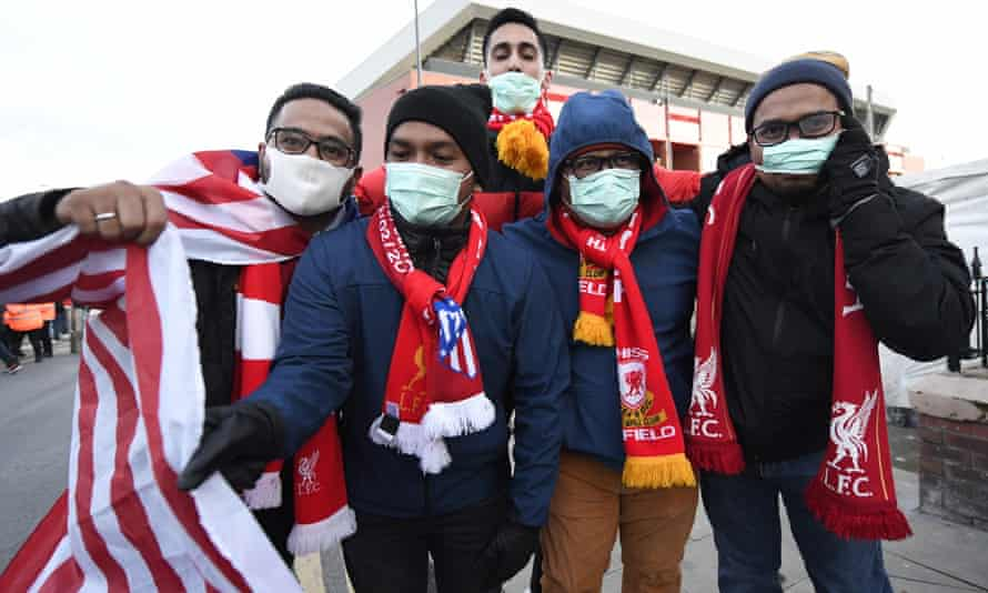 Atlético fans outside the Anfield.