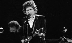 باب دیلن روی صحنه