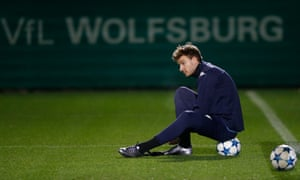 Nicklas Bendtner was released from his contract early by Wolfsburg.