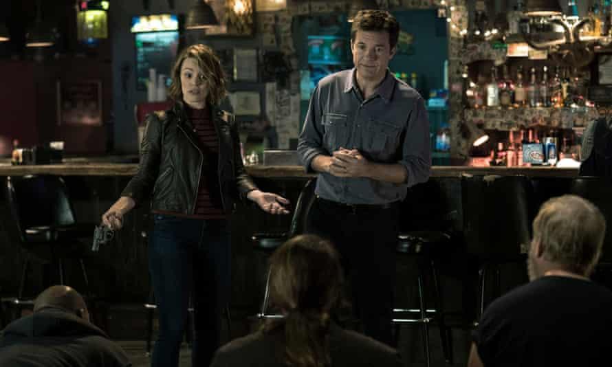 Rachel McAdams and Jason Bateman in Game Night.