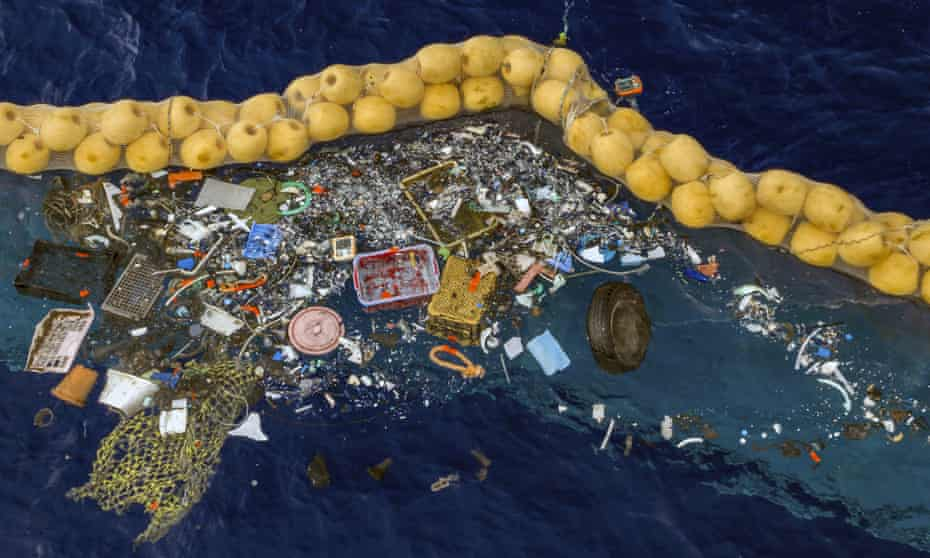 Waste collected in the boom
