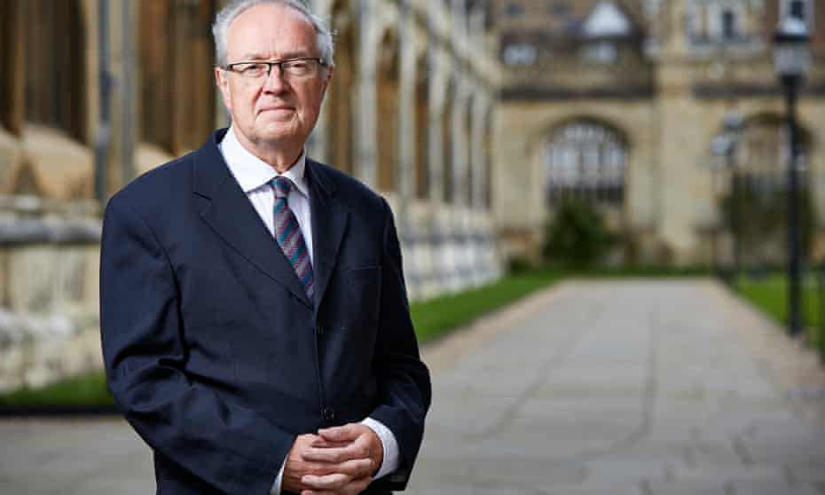 Recorded in the warmly resonant King's College Chapel … Stephen Cleobury.