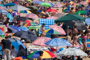 Crowds on Margate beach