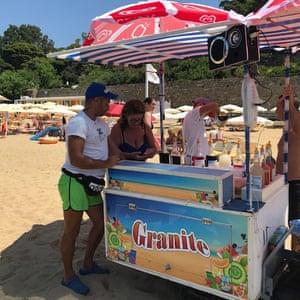 Ice-cream kiosk on the beach at Santa Maria di Castellabate, Italy