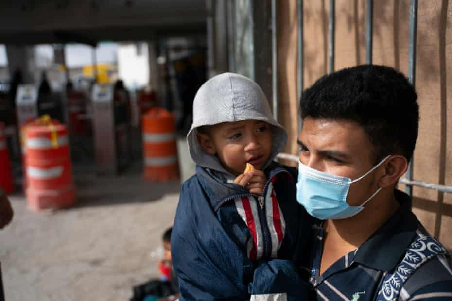 Joel Duarte Mendez, 25, and his son, Hector Joel Duarte Bueso, 2, traveled from Honduras to the US over 12 days to city of Reynosa, Texas. They were flown from the Rio Grande Valley to El Paso and later bussed and deported into Ciudad Juarez, Mexico.