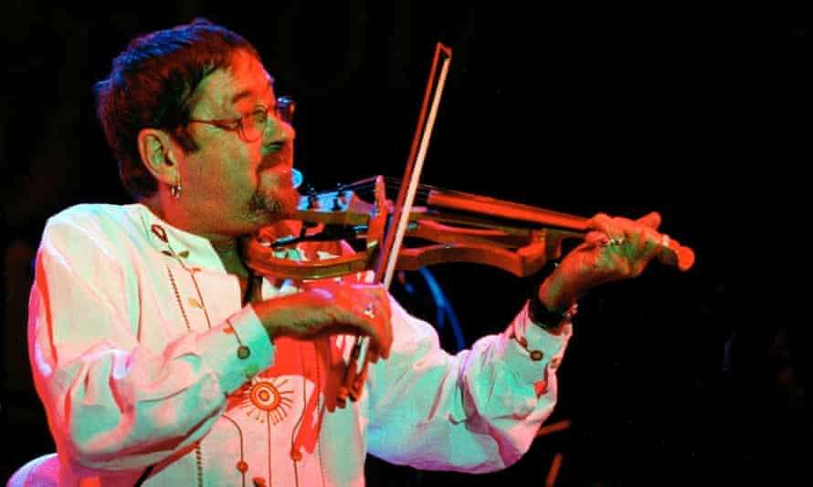 Dave Swarbrick playing at the Cropredy festival.