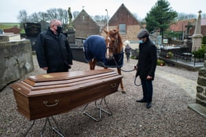 Peyo and Hassen say their last goodbye to Daniel, who died of cancer