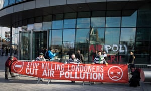 Air pollution protesters at City Hall, London