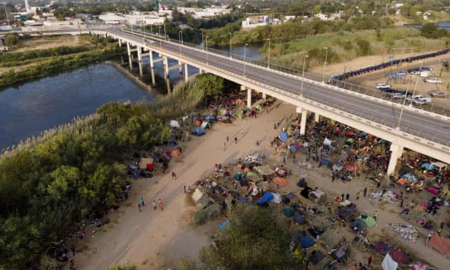 Migrants, many from Haiti, at the encampment in Del Rio, Texas