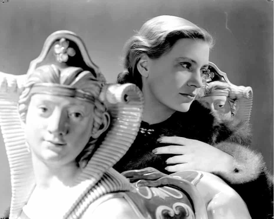 Lee Miller, Self Portrait with Sphinxes, Vogue Studio, London, England, 1940.