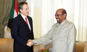 Bashir with British prime minister Tony Blair in 2004.