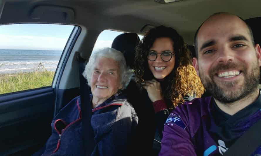Vega de Varona and Rivera delivered groceries to 91-year-old Nat and took her on a day trip