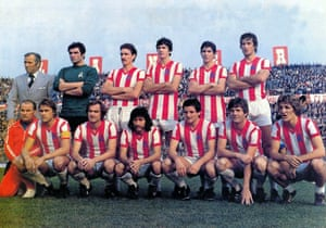 A Vicenza team photo with Paolo Rossi in the back row.