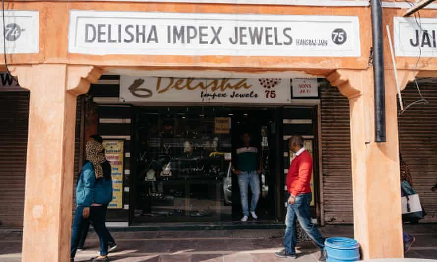 One of the many jewellery shops in Jaipur.
