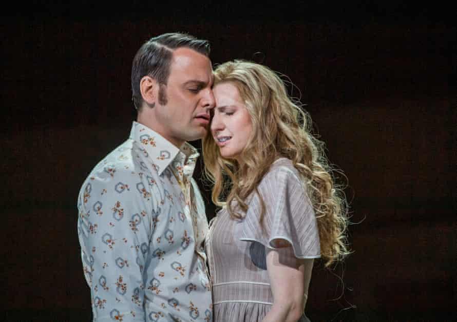 Pavel Černoch (Boris) with Amanda Majeski in the title role of Káťa Kabanová.