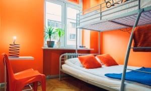 Mosquit-Hostel-Krakow-Triple-Shared-Bathroom