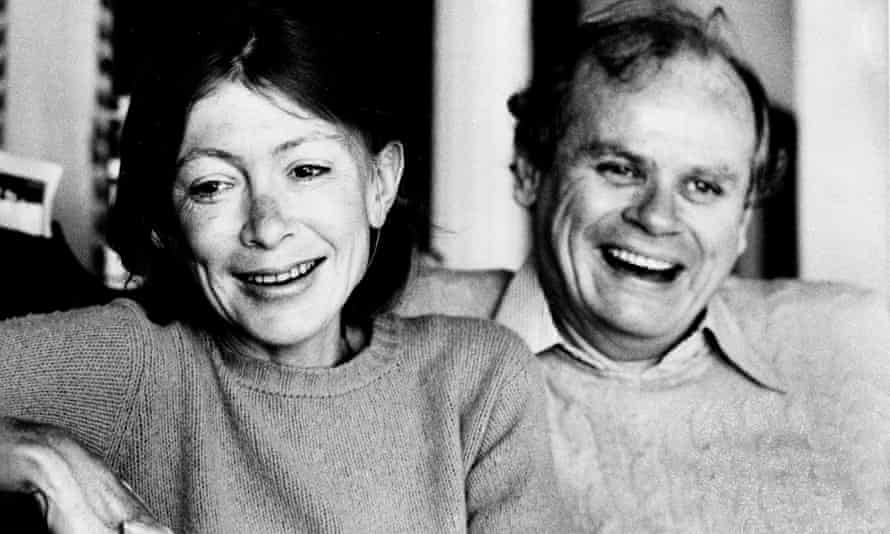 Joan Didion with her husband John Gregory Dunne in 1977.