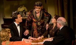 Deborah Rush, Rupert Everett, Angela Lansbury, Jayne Atkinson and Simon Jones in Blithe Spirit – but what did Lansbury's hairstyle conceal?