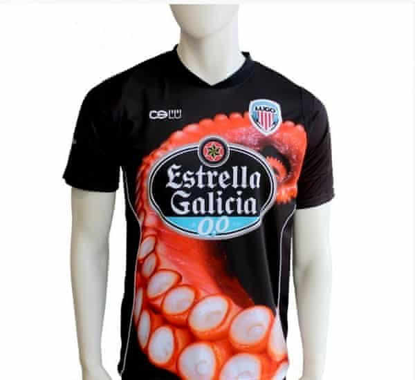 Cultural y Deportivo Leonesa's octopus inspired kit