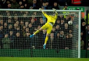 Everton's goalkeeper Jordan Pickford can't save Curtis Jones' strike.