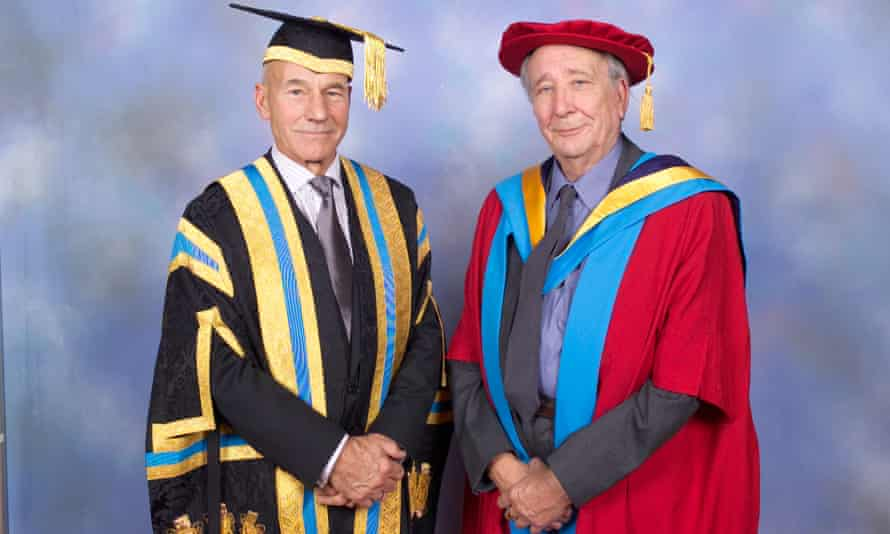 Patrick Stewart and Cecil Dormand in 2004 at the University of Huddersfield graduation ceremony, when the retired headteacher was made an honorary Doctor of Letters.
