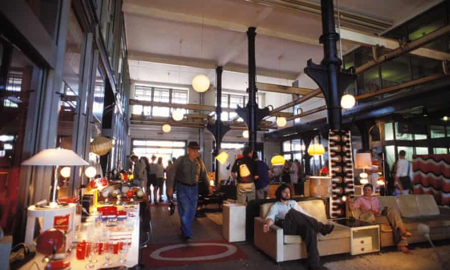 Flea market at the Schanzenviertel Quarter, Hamburg