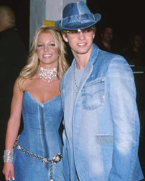 Britney Spears and Justin Timberlake at the 28th American Music Awards, 8 January 2001.