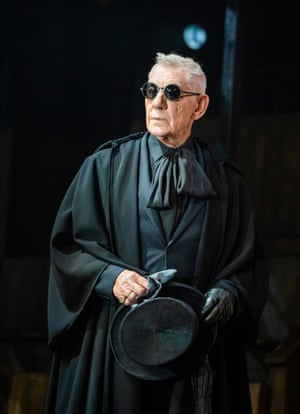 Ian McKellen has returned to the role of Hamlet, at the age of 82, in a new production at Theatre Royal Windsor.