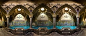 Aliqoliagha baths are a historical bath, located in Isfahan
