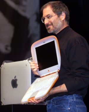 steve jobs unveiling the iBook in Paris