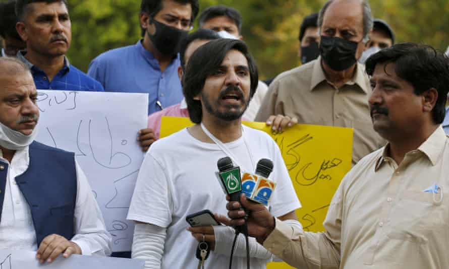 Pakistan YouTube journalist Asad Toor speaks to reporters after he was beaten and tortured by three men in his home.