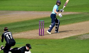 England's Heather Knight is caught out by New Zealand's Katey Martin