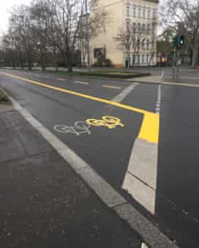An expanded cycle lane on Zossener Strasse in Berlin.