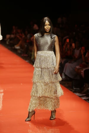 Gold dust Lanre Dasilva Ajayi showcased her AW18 collection 'Grandeur Masterpiece', an array of dresses in gold and bronze hues.