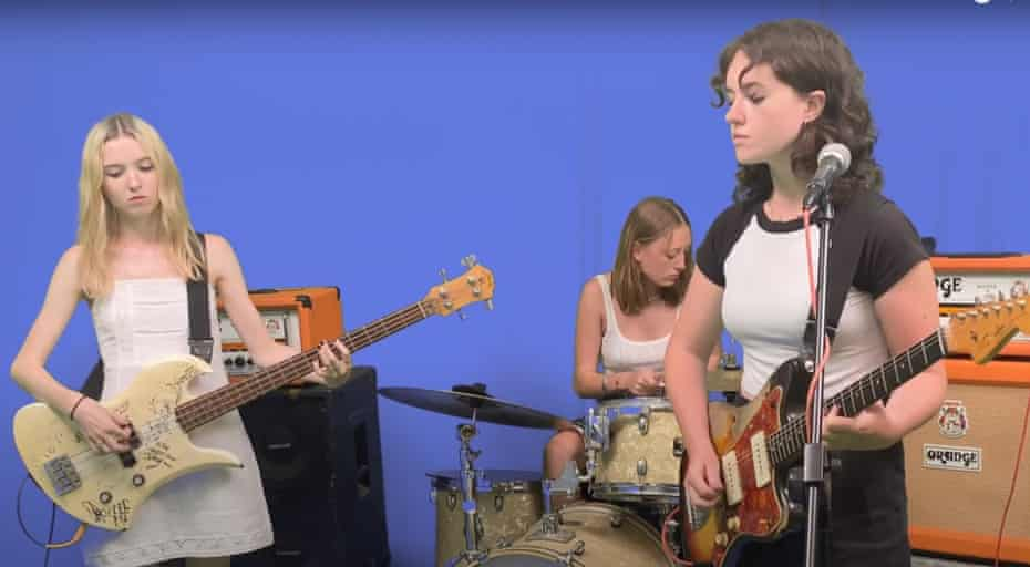 Sidonie Thomas (on Kim Gordon's bass), Louella Gallop (drums) and Sage Dwyer (guitar/vox) of Australian girl band Bliss