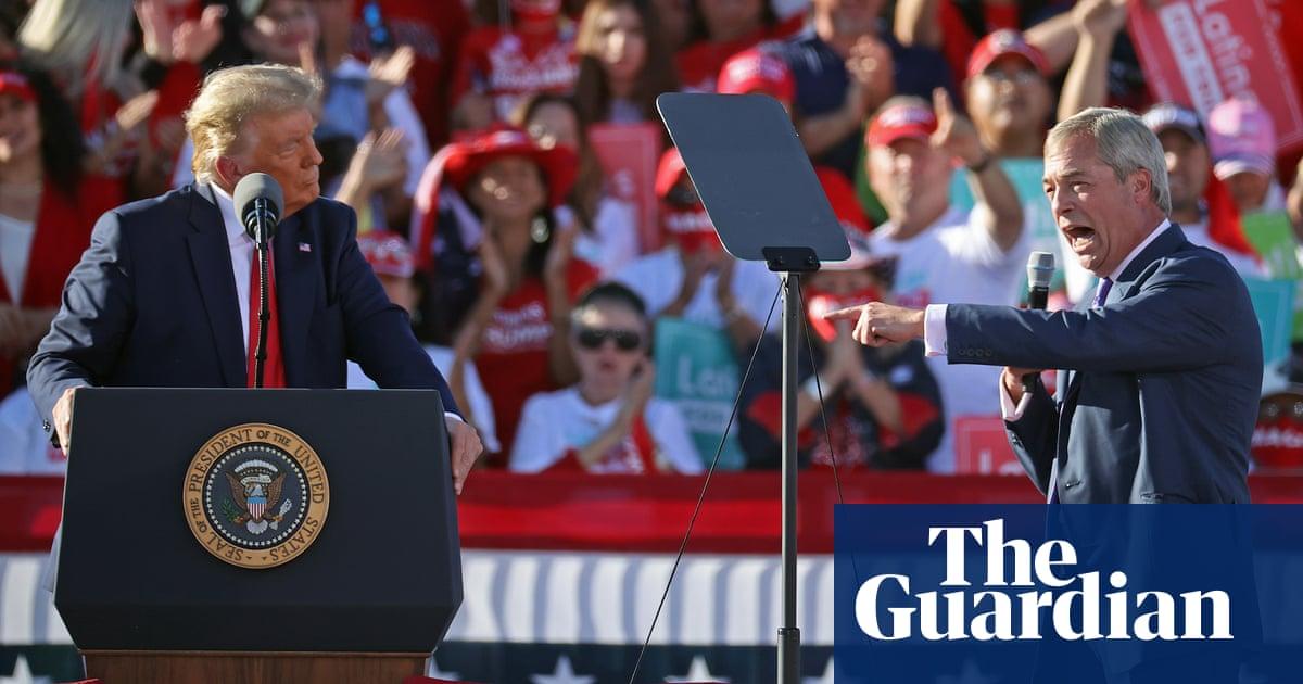 Nigel Farage heaps praise on Donald Trump at Arizona rally