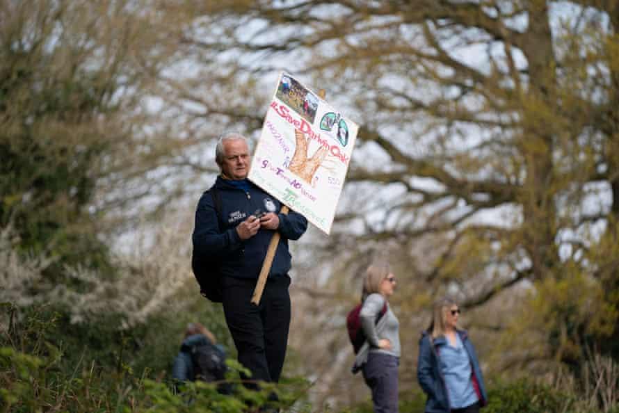 Rob McBride protesting by Darwin's oak.