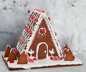 Anja Dunk's gingerbread house.
