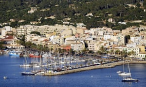 The harbour of Port d'Andratx on the Balearic island of Majorca. Majorca in the mediterranean Sea is one of the most favoured holiday destinations for German tourists.